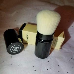 🎀 Chanel Retractable Les Beiges Kabuki Brush 🎀